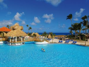 swimming-pool-hotel-barcelo-punta-cana37-10399